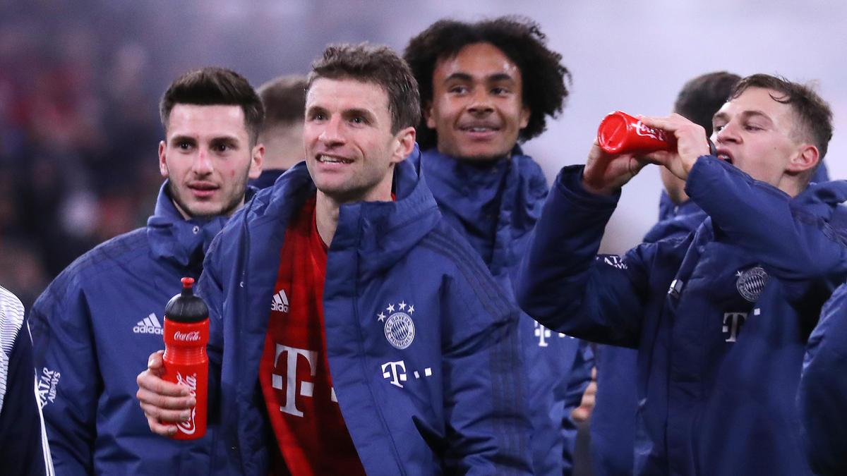 Dajaku (l.) und Zirkzee (2.v.r.) vom FC Bayern werden beim 1. FC Köln gehandelt