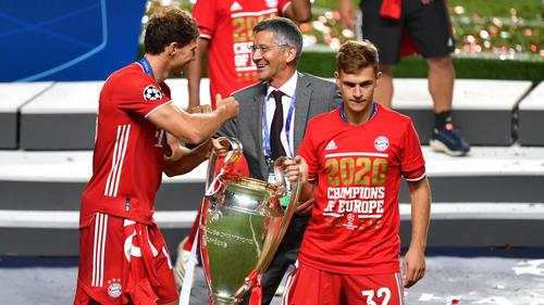 Leon Goretzka (l.) kam 2018 ablösefrei vom FC Schalke 04 zum FC Bayern