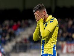 Dylan de Braal baalt van een gemiste kans tijdens het competitieduel RKC Waalwijk - Jong Ajax (04-12-2015).