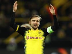 BVB-Kapitän Marcel Schmelzer war nach der Pleite gegen Salzburg bedient