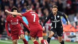 Neymar (r.) hatte gegen James Milner einen schweren Stand