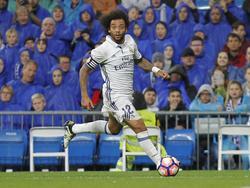 Marcelo bekijkt zijn opties tijdens het competitieduel Real Madrid - Athletic Bilbao (23-10-2016).