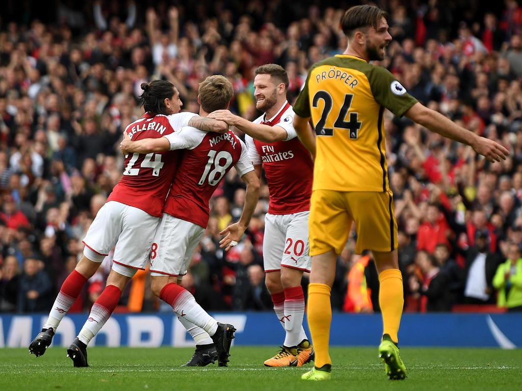 Arsenals Monreal (2.v.l.) erzielte die zwischenzeitliche 1:0-Führung