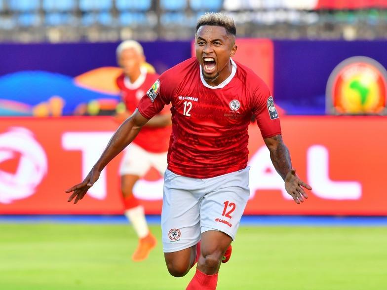 Lalaina Nomenjanahary von Paris FC (Ligue 2) brachte Madagaskar in Front
