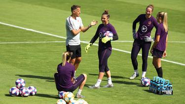 Neville will mit England ins Finale der Frauen-WM