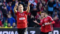 Nils Petersen trifft mit dem SCF auf Eintracht Frankfurt