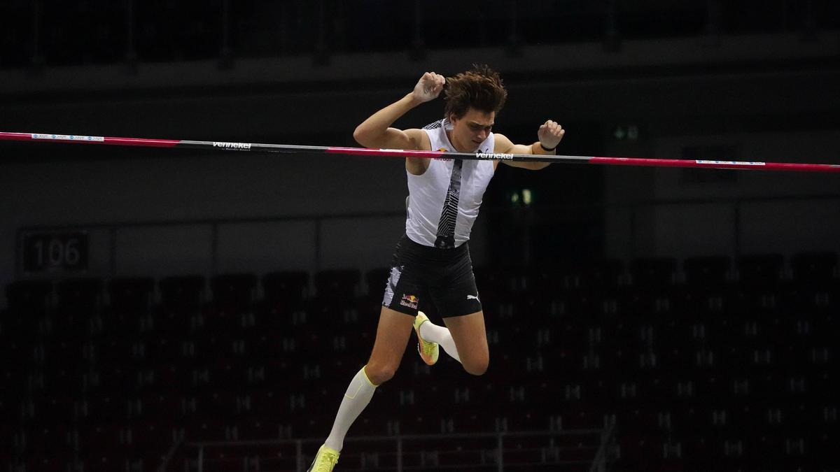 Armand Duplantis hält den Weltrekord im Stabhochspringen