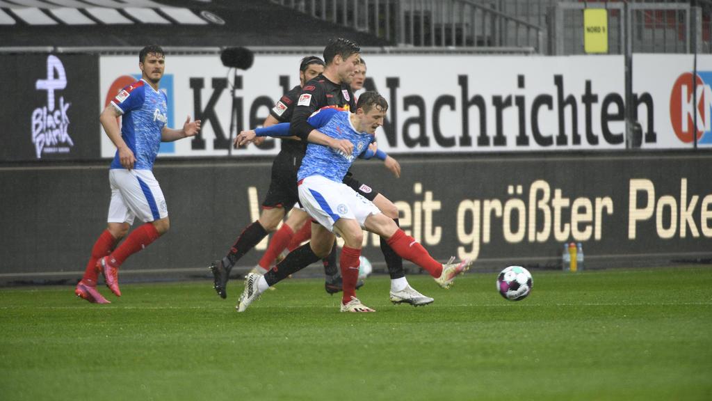 Holstein Kiel besiegt Jahn Regensburg