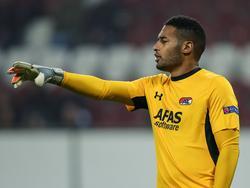 Gino Coutinho staat op doel voor AZ Alkmaar tijdens het Europa League-duel met FC Augsburg. (05-11-2015)