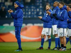 Leon Goretzka stellte sich den Fans nach dem Spiel