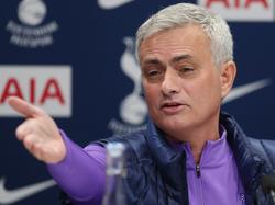 Mourinho durante la rueda de prensa de hace unos minutos.