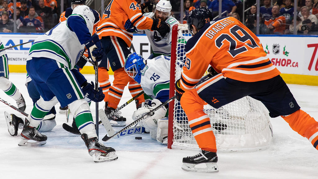 Leon Draisaitl (r.) unterlag mit seinen Oilers