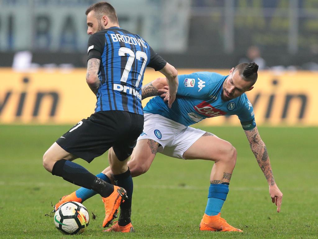 Neapels Marek Hamsik (r.) konnte sich nicht gegen Inter Mailand durchsetzen
