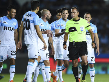 El Racing Club sigue gobernando con 30 unidades. (Foto: Getty)