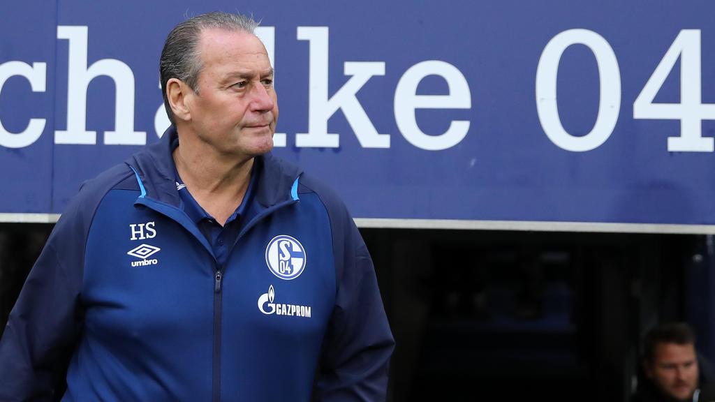 Wie führt Huub Stevens die Schalke-Elf in den Kampf gegen Hannover 96?
