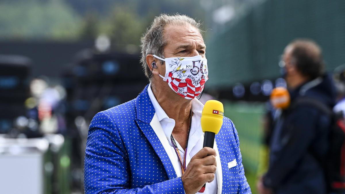 Kai Ebel steht für RTL am Rand der Formel-1-Strecken