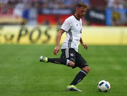 Benedikt Höwedes ist beeindruckt von Kimmichs Leistung