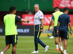 Brasiliens Teamchef Tite beim Abschlusstraining in Wien