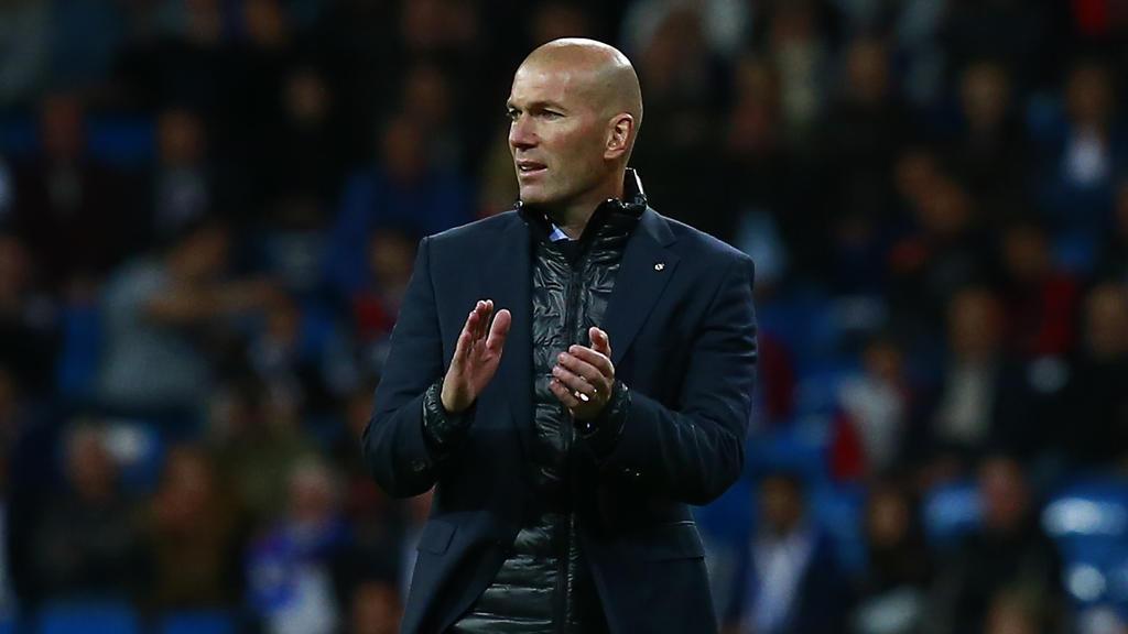 Zinédine Zidane soll ein Angebot des FC Bayern erhalten haben