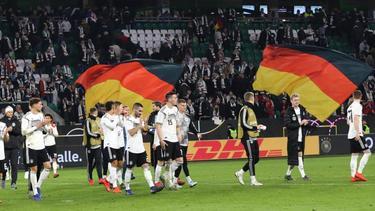 Beim Länderspiel in Wolfsburg soll es einen weiteren Fall von rassistischen Beleidigungen gegeben haben