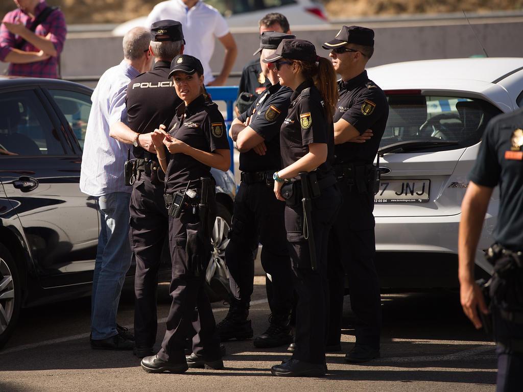 Die Polizei nahm FC-Cádiz-Boss Pina fest
