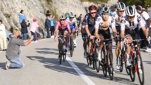 Beim Giro gab es erneut positive Corona-Tests