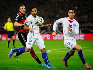 El internacional chileno Beausejour, con el dorsal 15, hizo el primer tanto del Colo Colo. (Foto: Getty)