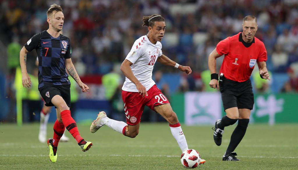Yussuf Poulsen (r.) konnte sich mit Dänemark noch nicht absetzen