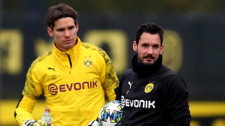 Marwin Hitz (l.) und Roman Bürki (r.) kämpfen um den Platz im Tor des BVB