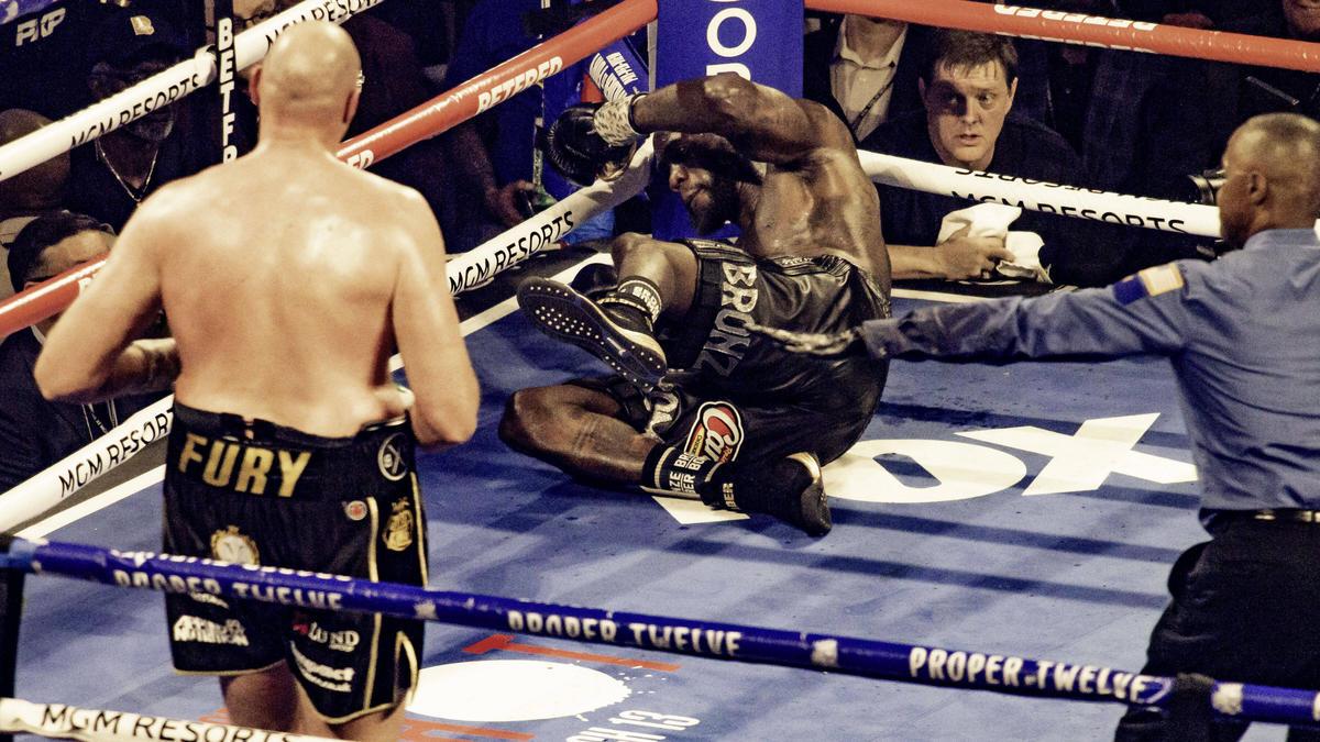 Tyson Fury schlug Deontay Wilder mehrmals zu Boden