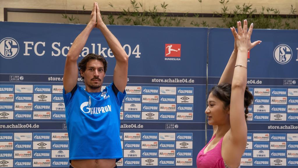 Benjamin Stambouli vom FC Schalke während der China-Reise 2018