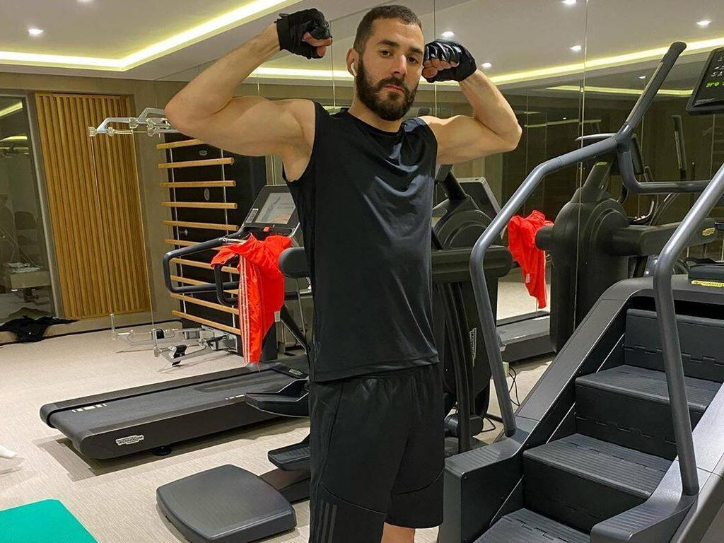 Benzema en un entrenamiento en el gimnasio.