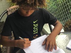 Kauan Basile firma el contrato con la marca deportiva.