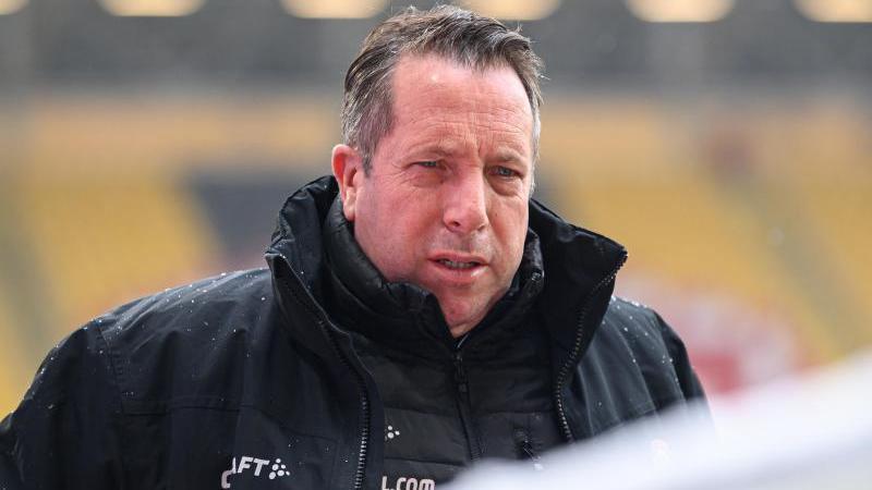 Muss sich nach seiner Corona-Infektion ins Krankenhaus begeben: Coach Markus Kauczinski von Dynamo Dresden