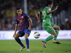 Jairo im Zweikampf mit seinem sportlichen Vorbild Pedro