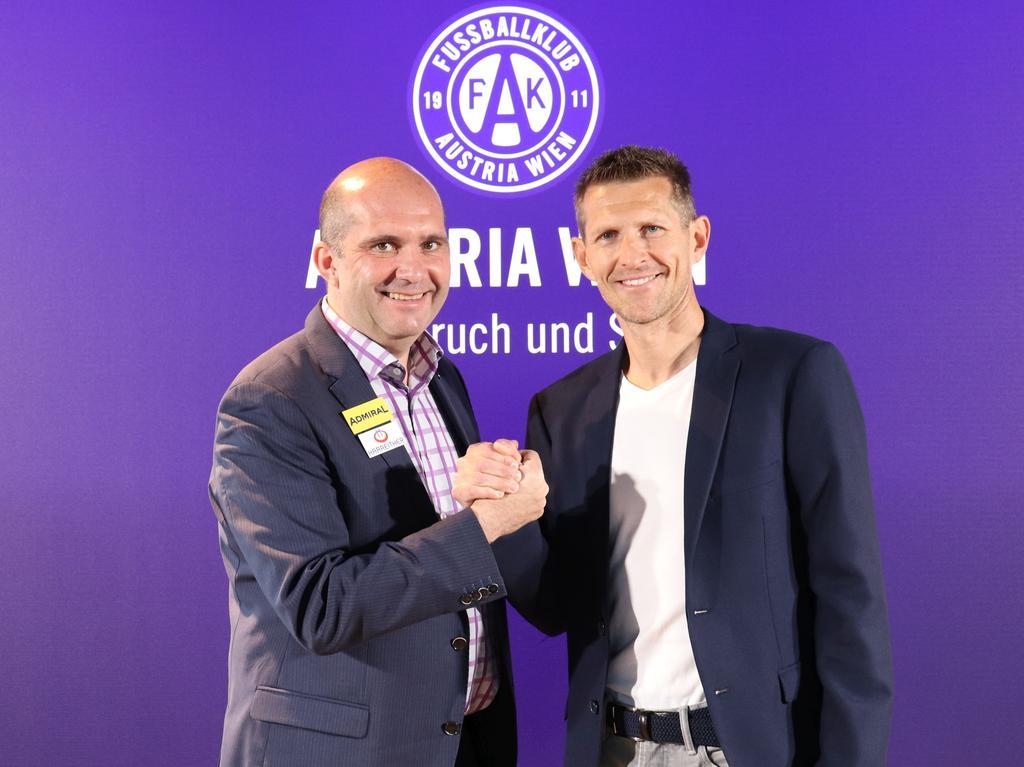 Ralf Muhr mit dem neuen Young-Violets-Trainer Harald Suchard. © FK Austria Wien