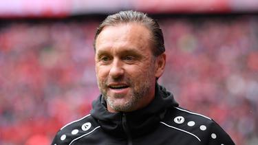 Thomas Doll und APOEL Nikosia starteten mit einer Niederlage in die Europa League