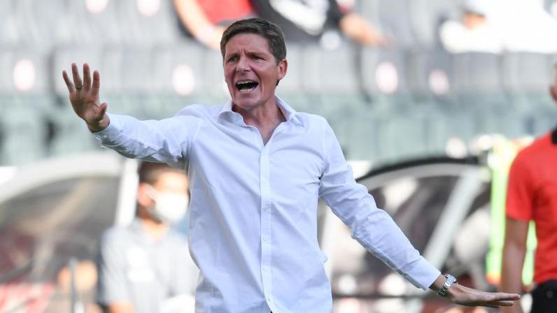 Cheftrainer Oliver Glasner von Eintracht Frankfurt wartet weiter auf einen Sieg
