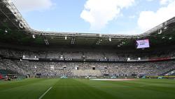 In Mönchengladbach waren spezielle Fans aus Pappe im Einsatz