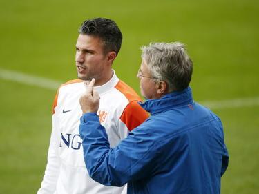 Robin van Persie (izq.) será una de las principales ausencias en los holandeses. (Foto: Getty)
