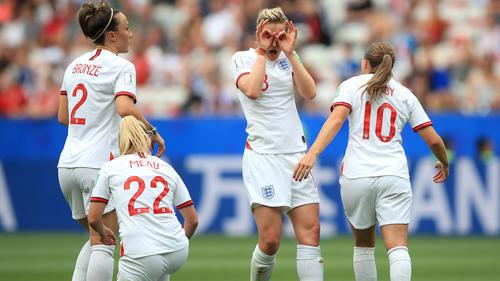 Englands Frauen jubeln über einen Auftakt nach Maß