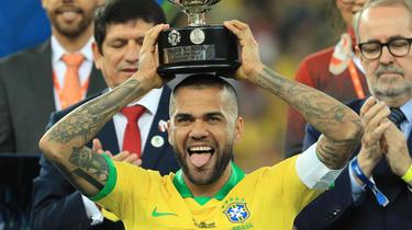 Dani Alves kehrt nach Brasilien zurück
