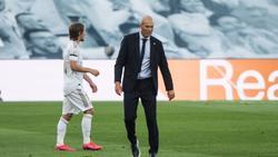 Zinédine Zidane (r.) ist nicht leicht zufrieden zu stellen