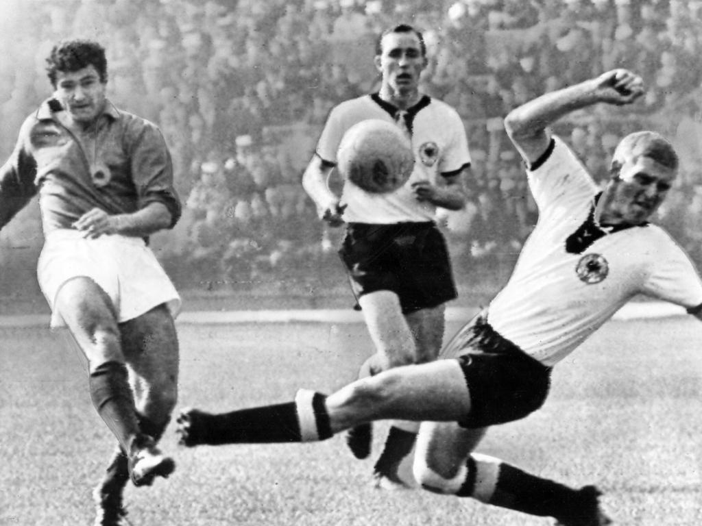 Milan Galić (li.) und die Auswahl Jugoslawiens unterlagen im ersten EM-Endspiel der Geschichte dem Team der UdSSR