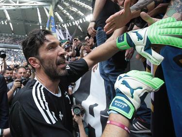 Buffon se despide de la afición entre lágrimas. (Foto: Getty)