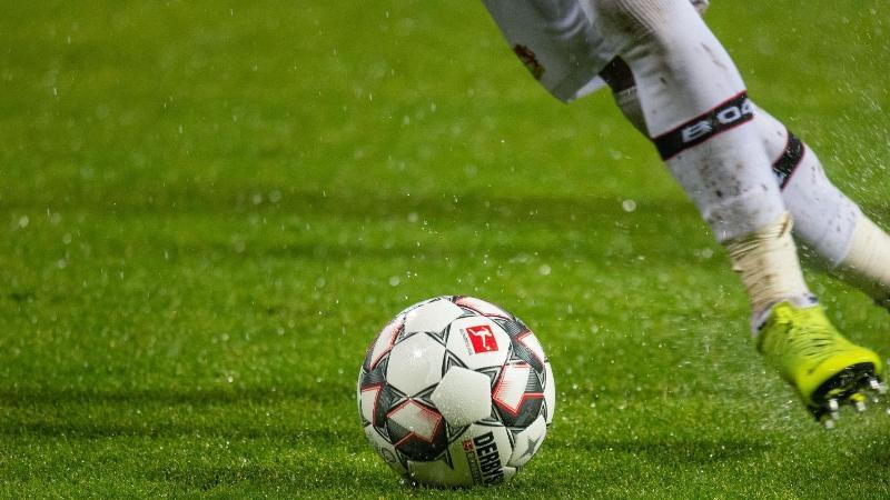 Die Transferperiode der Bundesliga endet 2019 später