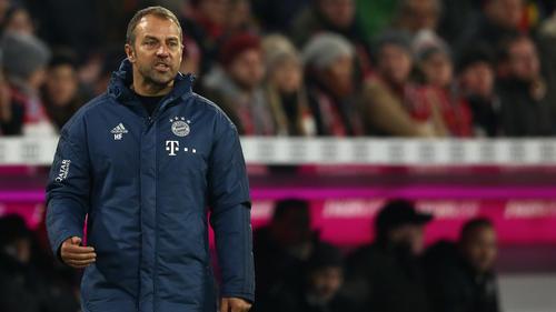Hansi Flick spielt mit dem FC Bayern bei Fortuna Düsseldorf