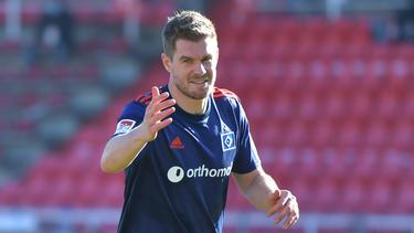 Simon Terodde muss mit dem HSV gegen St. Pauli ran