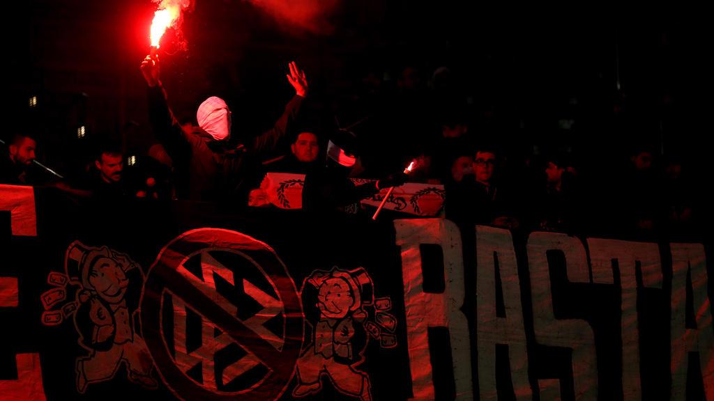 Während der Partie gegen Inter Mailand hatten Eintracht-Fans Pyrotechnik gezündet