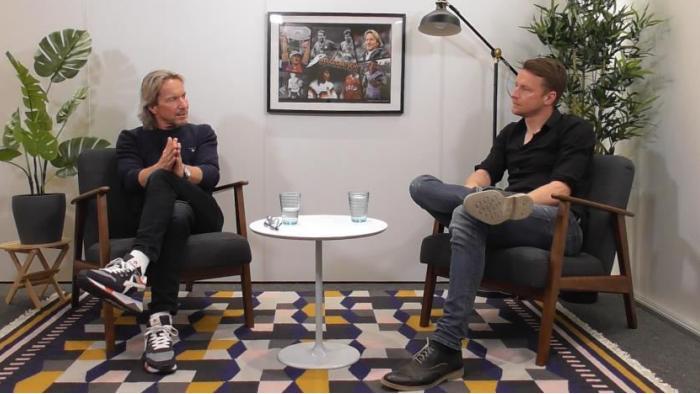 Maik Franz (r.) begrüßt Michael Sternkopf zur ersten Folge seines neuen Podcasts